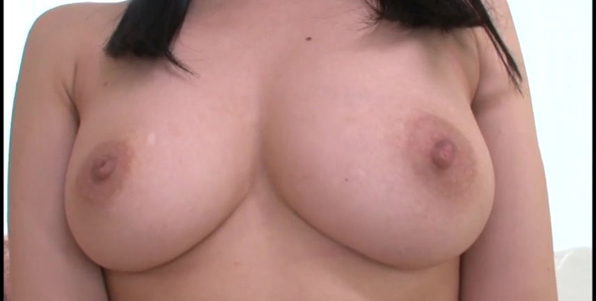 【オススメ】おっぱい性感帯の逸材18歳AVデビュー 乳房に触れるとビクビク感じる超敏感体質 沢井みらい