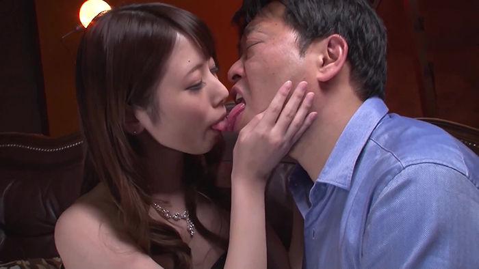 【オススメ】アイドル美少女と交わすヨダレだらだらツバだくだく濃厚な接吻とセックス 西宮ゆめ